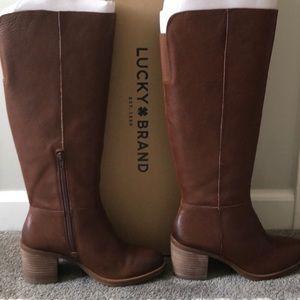 Lucky Ritten Boots